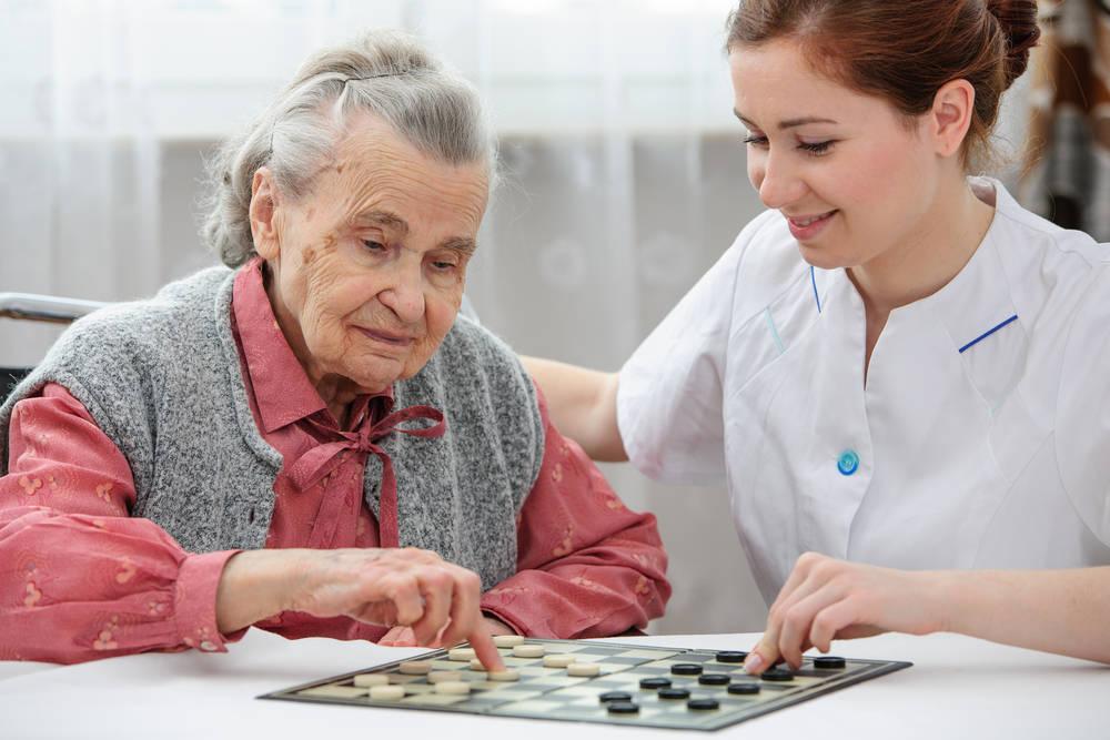 La saturación de las residencias de ancianos y su relación con surgimiento de la asistencia domiciliaria