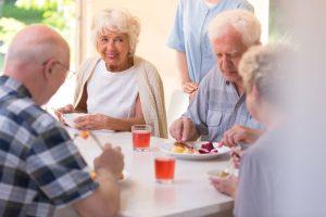¿Qué hay que hacer para abrir una residencia de ancianos?