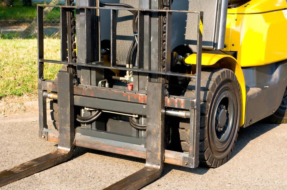 Ventajas de los muebles con ruedas y cómo añadirlas